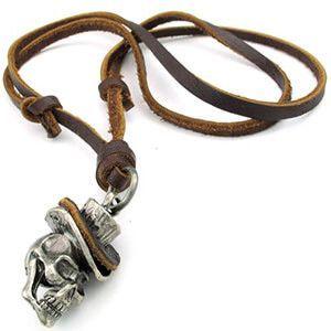 Collana con catena in pelle marrone e ciondolo con teschio cowboy Konov