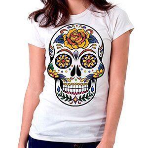 Coloratissime e originali. Le magliette con teschio messicano ti rapiranno con il loro design accattivante.