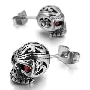 Dai un tocco diverso al tuo look con degli orecchini con teschio. Dai più semplici ai più sgargianti, abbiamo il paio perfetto per ogni outfit.