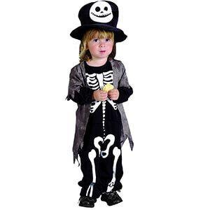 Costume da bambino con teschio sul cappello