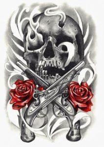 Tatuaggio con teschio con pistole e rose rosse
