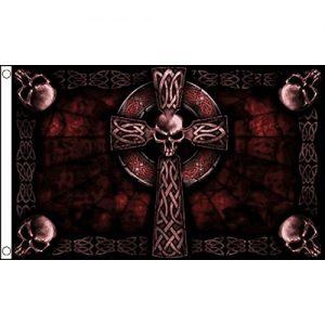 Bandiera con teschi e croce rosso scuro