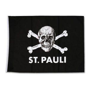 Bandiera nera con il teschio dell'FC St. Pauli bianco