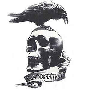 Tatuaggio con Teschio e Corvo Gotico Nero in Testa